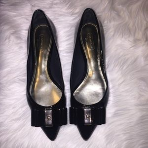 Coach Wendy Patent Black Gold Shiny Bow Flats Sz 5